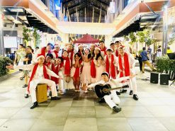 Traditional Carolers 3